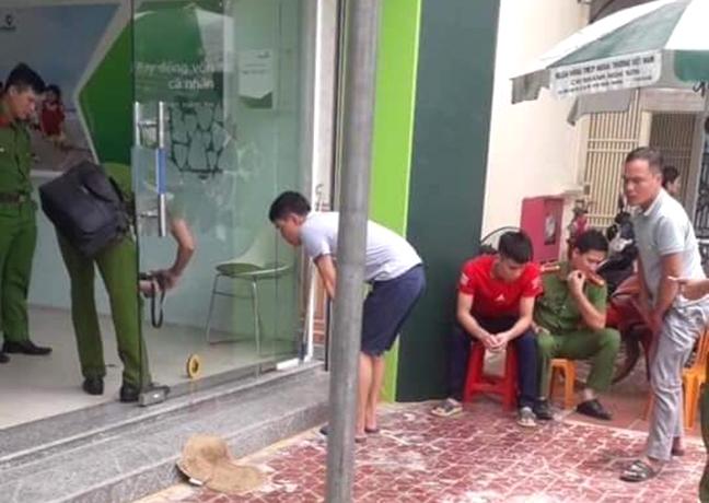 Truy bắt đối tượng bắn bảo vệ cướp ngân hàng Vietcombank